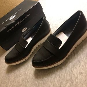 *NWT* Dr. Scholl's Imagine Women's Loafers Black